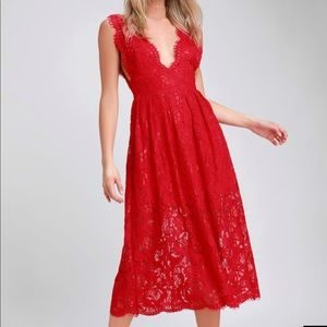Red lace midi dress 💃🏻